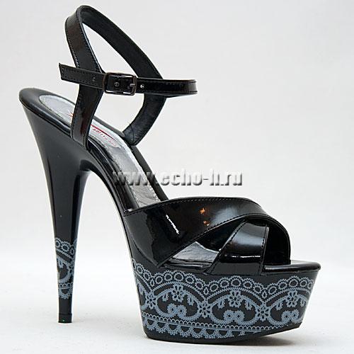 Чёрно- белые босоножки на каблуке